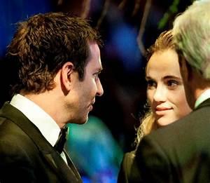 Bradley Cooper takes Suki Waterhouse to the White House ...