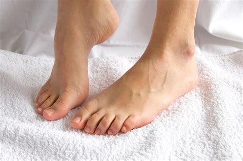 pied de le boule douleur de l arri 232 re pied d 233 formation de la vo 251 te plantaire pieds 8 douleurs qui doivent