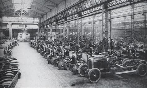 Automašīnu vēsture | coolstars.lv