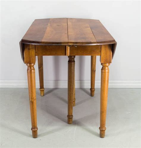 table ronde style louis philippe table ronde style louis philippe 28 images louis philippe style coffee table with drawers on