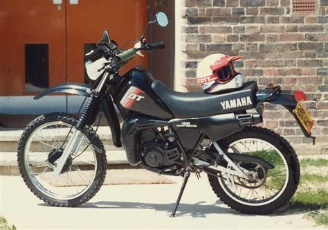 How To Troubleshoot A Yamaha Dt 125 Ehow Motorcycles