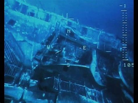 Cruise Ship Sinking Santorini by Islanders Demand Removal Of Santorini Quot Pollution Time Bomb
