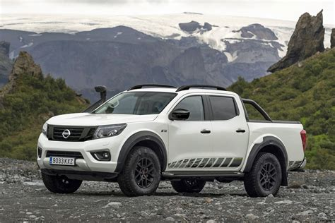 The nissan navara is packed full of features to support your work and play needs. 2020 Nissan Navara AT32: refreshed off-road raider now ...