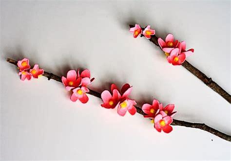 hiasan dinding ranting kayu berbunga