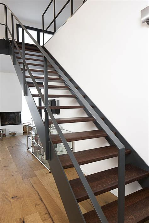 Stahltreppen Fuer Innen Und Aussen by Die Besten 25 Stahltreppe Innen Ideen Auf