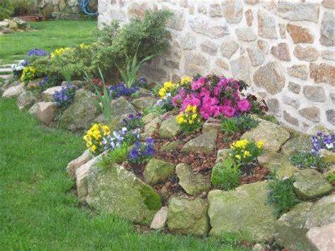 jardin  piedras  plantas canteros  piedras