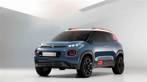 Citroen C5 Anime by Blue Crossover Citroen C5 Aircross 2018 On A Gray