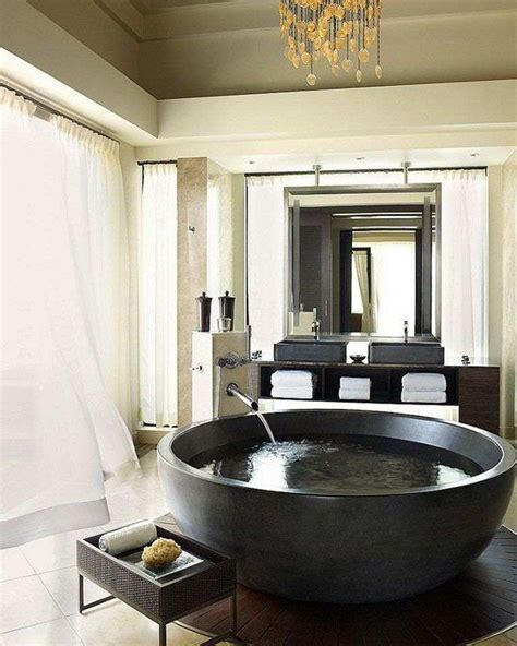 Large Bathroom Tubs by 25 Best Ideas About Large Bathtubs On Large