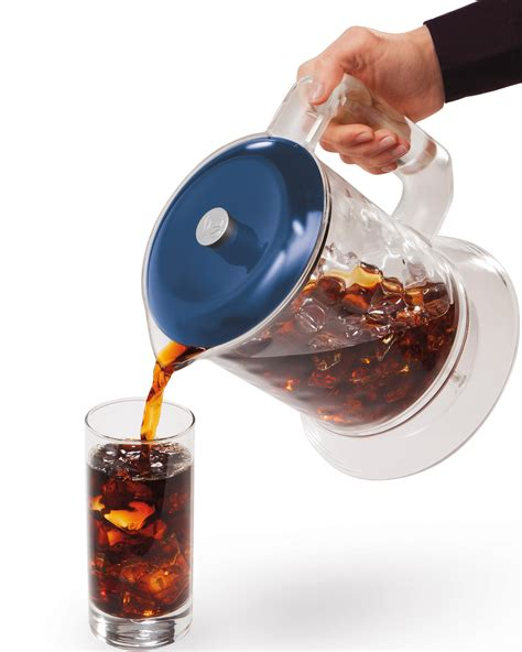 Fill the middle compartment with coffee grounds and the top compartment with ice and water, and watch as the water slowly drips. Hamilton Beach 40913 Iced Coffee Maker: Amazon.ca: Home & Kitchen