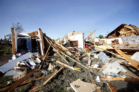 brothers remember father killed  woodward tornado