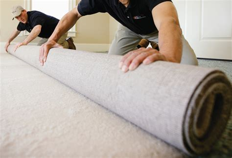 how to lay carpet project guide laying tacked carpet at the home depot