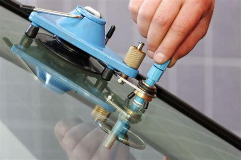 steinschlag reparatur set steinschlag windschutzscheibe wechseln oder reparieren autobild de