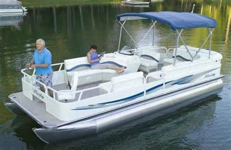 Bentley Boat Repair by 25 Best Ideas About Bentley Pontoon Boats On