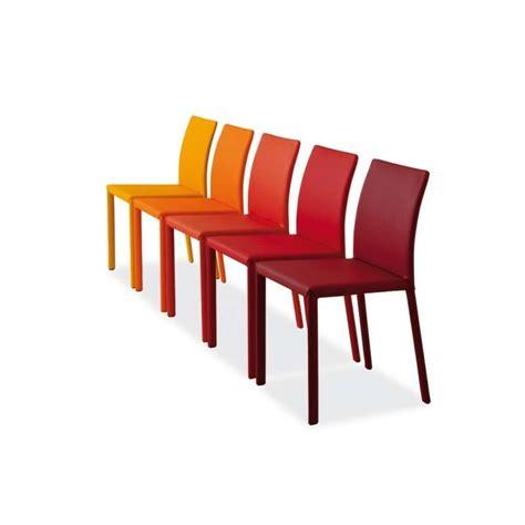 chaise colorée chaise en croûte de cuir kiris 4 pieds tables