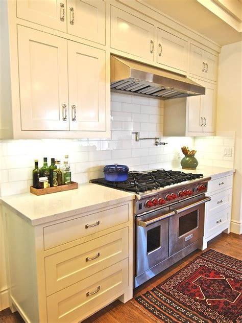 backsplash tile pictures for kitchen 35 best green gutters images on appliques 7584