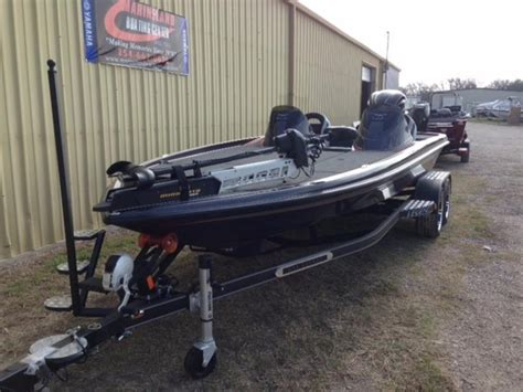 Boat Carpet Waco Tx by 2017 New Legend Boats V21 Dual Bass Boat For Sale Waco