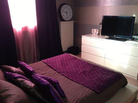 d馗o de chambre adulte chambre adulte photo 2 3 commode et horloge de chez ikea coussins de chez