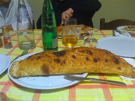 Zio Paolo Affronta Il Suo Calzone  Picture Of Il Giardino