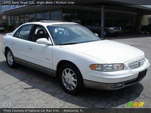 Bright White - 2000 Buick Regal Gse - Medium Gray Interior