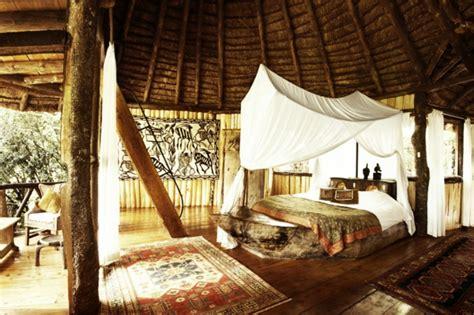 cabane dans chambre une cabane dans les arbres luxe nature et chic archzine fr