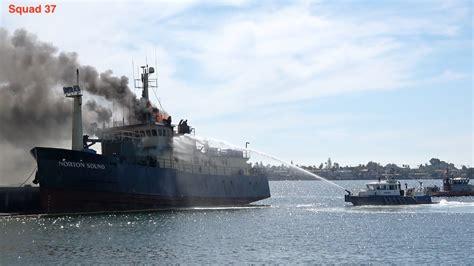 Fire Boat San Diego boat fire san diego youtube