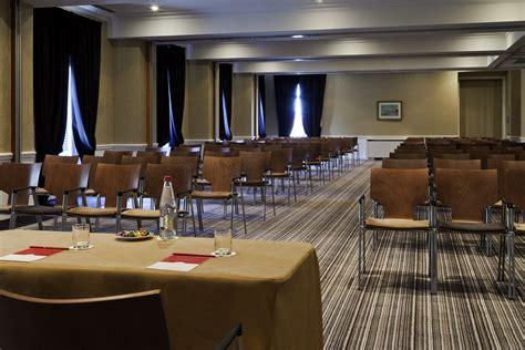 mobilier pour salle de conf 233 rence salle de s 233 minaire chaises table modulables seloma