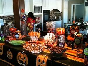 Buffet Halloween : 17 best images about halloween candy buffet on pinterest ~ Dode.kayakingforconservation.com Idées de Décoration