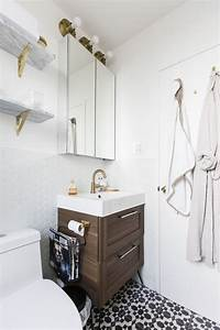 Before & After: This Tired '70s Bathroom Got a Classic ...