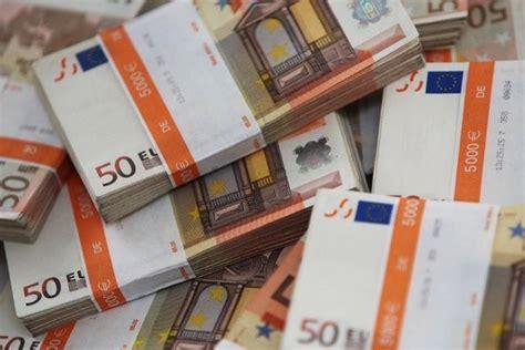 cuisine a 10000 euros cannes il trouve 10 39 000 euros et les remet à la faits divers lematin ch