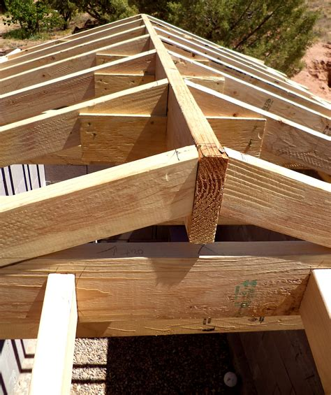 Build A Hip Roof by Alt Build Building A Well House 4 Framing The Hip