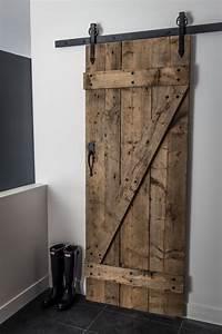 Porte Coulissante En Bois : mur de salon en bois de grange ~ Melissatoandfro.com Idées de Décoration