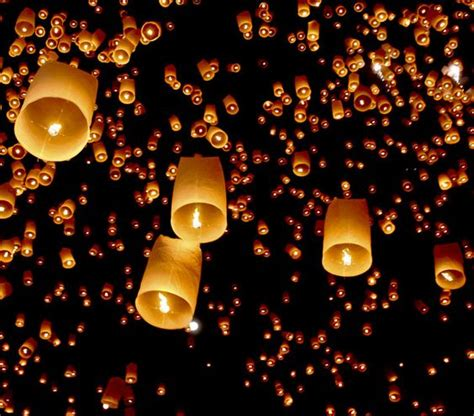 flying sky floating lanterns these things are awesome i wish i had a event to use them for