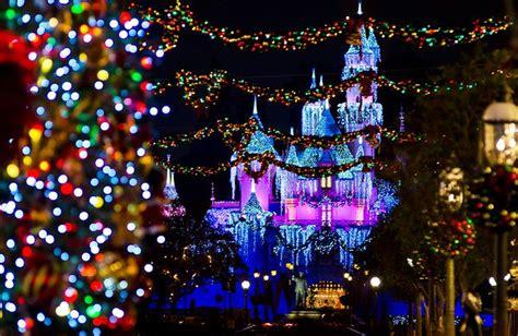 Ultimate Disneyland Christmas Guide  Disney Tourist Blog