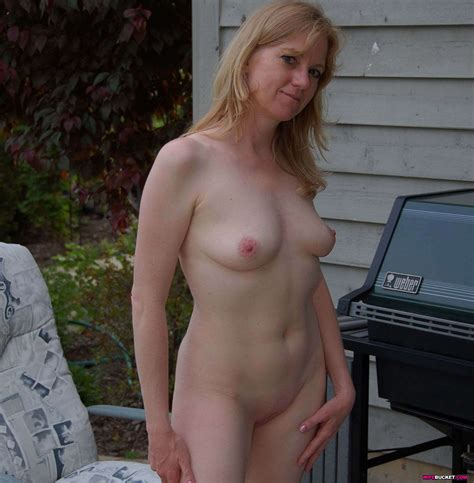 Submitted Pics Of Nude Amateur Wives Web Porn Blog