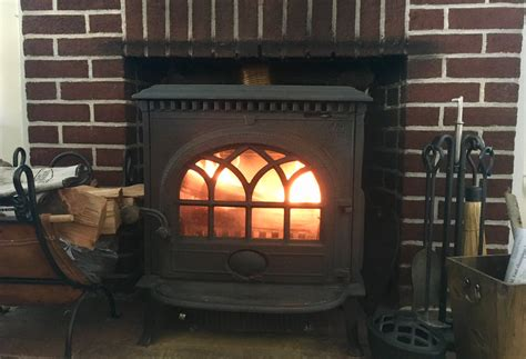 Wood Stove Or Fireplace? It's No Contest. Wood Burning Stove Effect Gas Fires Cleaning Burners With Ammonia How To Cook Steak On Top Without Cast Iron Skillet Gazco Huntingdon 40 Installation Pipe Through Metal Roof Kit Stovetop Coffee Percolators Stainless Steel 5 Inch Brush Hot Dog Steamer