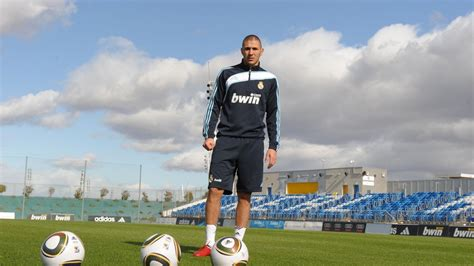 Wallpaper : sports, soccer, stadium, Real Madrid, Karim ...