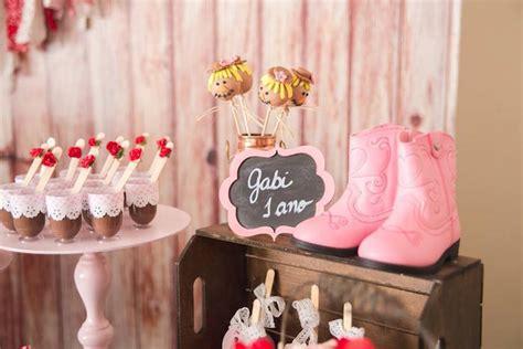 pailyn s bash girly party ideas kara 39 s party ideas girly farm birthday party kara