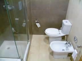 bidet salle de bain salle de bain avec bidet et baignoire photo