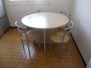 Table Ronde Cuisine : table ronde cuisine clasf ~ Teatrodelosmanantiales.com Idées de Décoration