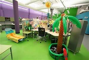 Six Ways To Make Your Cubicle Stand Out This Halloween