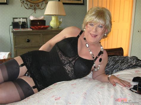 Crossdressers Showing Their Hot Come On Pos Xxx Dessert Picture