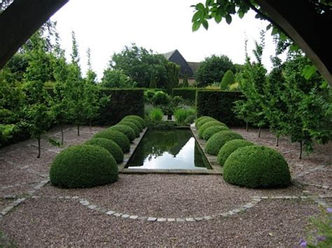 formal garden water feature  marsh flatts farm