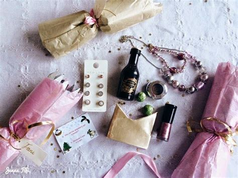Diy Homemade Christmas Crackers Contents