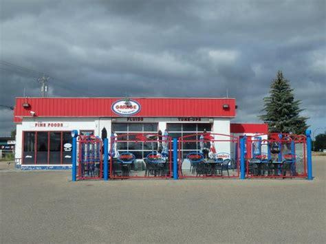 the garage eatery the garage pub eatery medicine hat fotos n 250 mero de