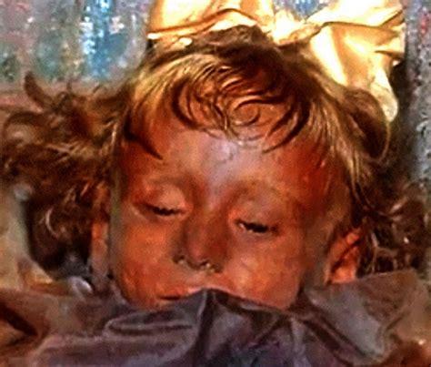 Lombardo Lade el misterio de rosal 237 a la momia que abre y cierra los
