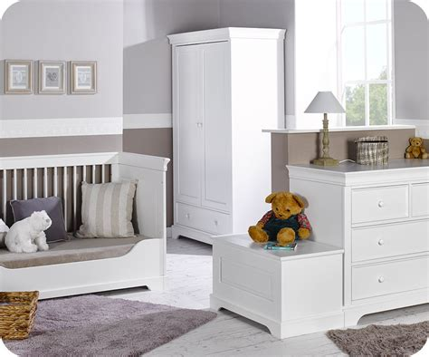 chambre complet chambre bébé complète mel blanche avec armoire