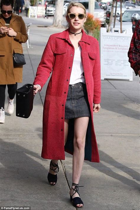 Emma Roberts Ups Store December 5, 2016 – Star Style