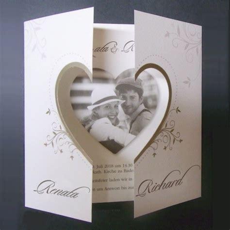 romantische hochzeitseinladung ihr foto  herzform