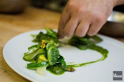 cuisine plus recrutement cueillette de crosses de fougère ode au printemps