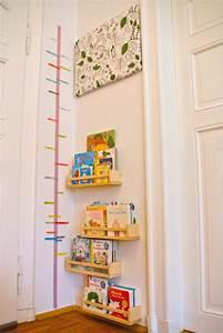 Ikea Bücherregal Kinder : b cherecke mit washi tape messlatte im kinderzimmer ikea ~ Lizthompson.info Haus und Dekorationen